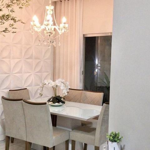 Imagem de Arranjo de Flores Artificiais  Orquídeas Brancas Artificial no Vaso Terrário Prateado