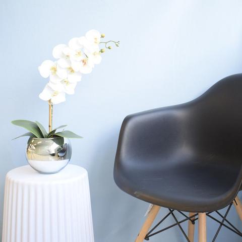 Imagem de Arranjo de Orquídea Artificial Branca no Vaso de Vidro Prateado Formosinha