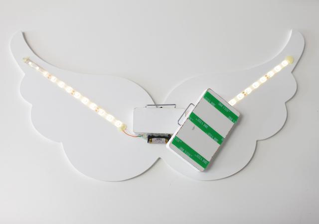 Imagem de Asa de Anjo Luz Fria Abajur com LED em MDF - Branco