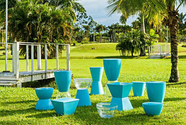 Imagem de Banqueta Argo assento cristal base color azul