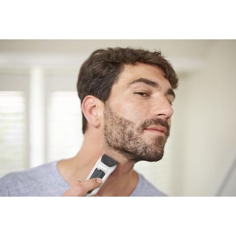 Imagem de Barbeador Aparador de Pelos Multigroom com 6 acessórios MG3721/77 Philips