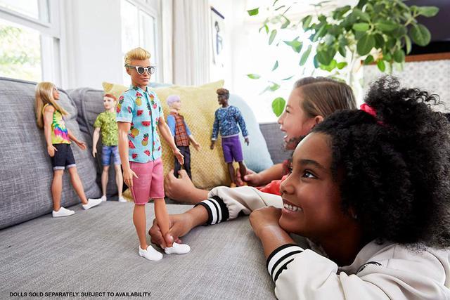 Imagem de Barbie - Boneco Ken Loiro Camisa Azul Fashionista 152 - Mattel
