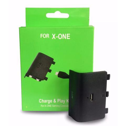 Imagem de Bateria recarregável e Cabo Carregador Para Controle de Xbox One (Charge Play)