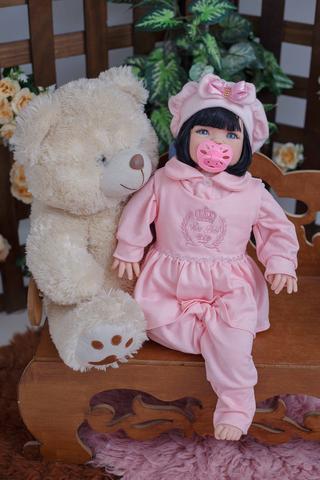 Imagem de Bebê Reborn Morena Larinha com Boina e Bolsa Maternidade