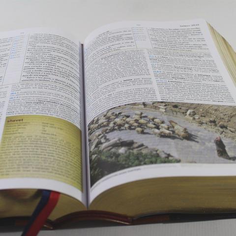 Imagem de Bíblia King James de Estudo Holman   Fiel 1611 BKJ - Bv Films