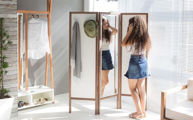 Imagem de Biombo de Madeira com Espelho Ammy - Branco com Nogueira