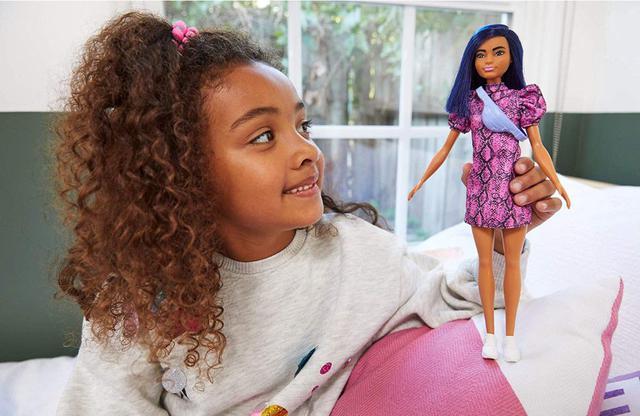 Imagem de Boneca Barbie Fashionistas - 143 Cabelo Azul Vestido Rosa Preto