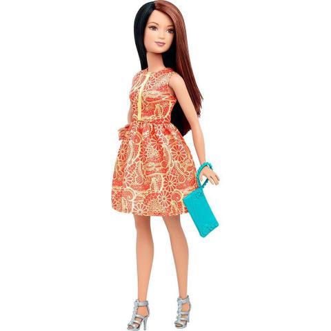 Imagem de Boneca Barbie Fashionistas Com Acessórios Dtd96
