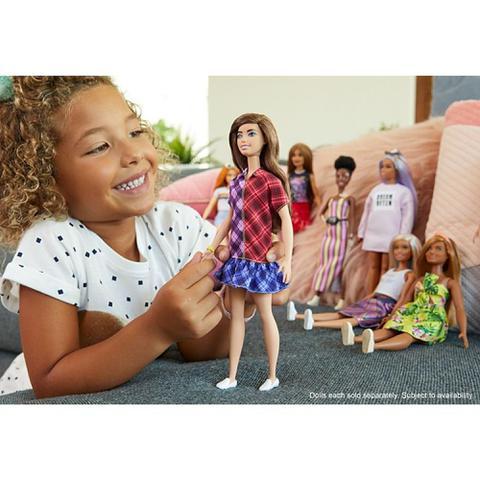 Imagem de Boneca Barbie Fashionistas Morena com Sardas GHW53 - Mattel (14735)