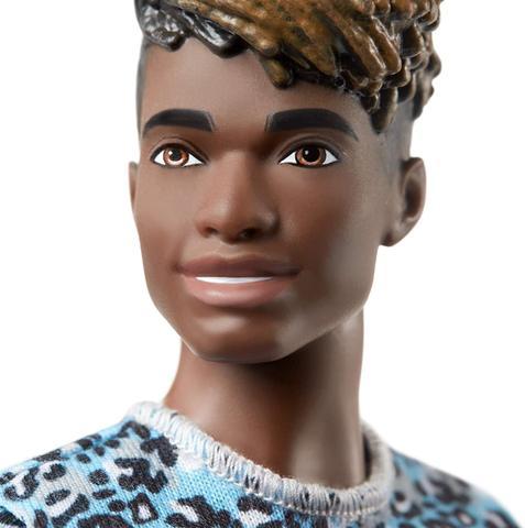 Imagem de Boneco Ken Fashionista Negro Com Roupas Articulado Original Mattel GHW69