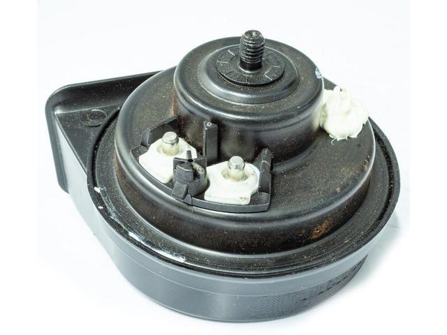 Imagem de Buzina Eletrônica Caracol Universal Agudo 12 Volts 2 Pinos para Carros Motos Caminhões - Fiamm - AM80H