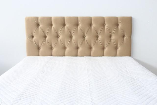 Imagem de Cabeceira Estofada King Com Painel de 1,95m x 60cm Bege - Botões Na Cor do Tecido - Jô cabeceiras