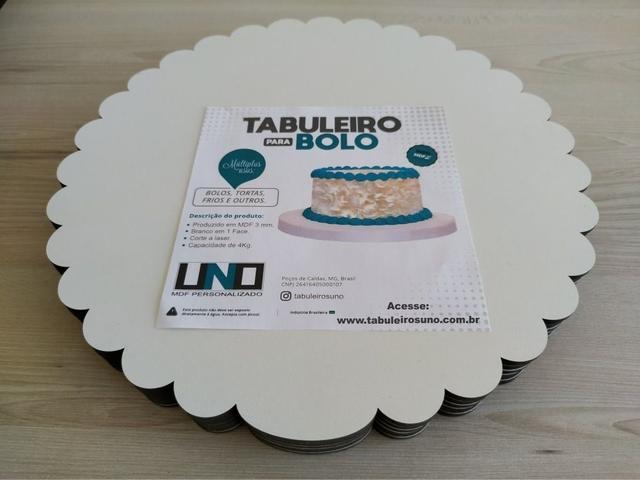 Imagem de Cake Board Em Mdf de 3mm Para Bolo e Confeitaria Borda Ondulado Kit com 10 18cm