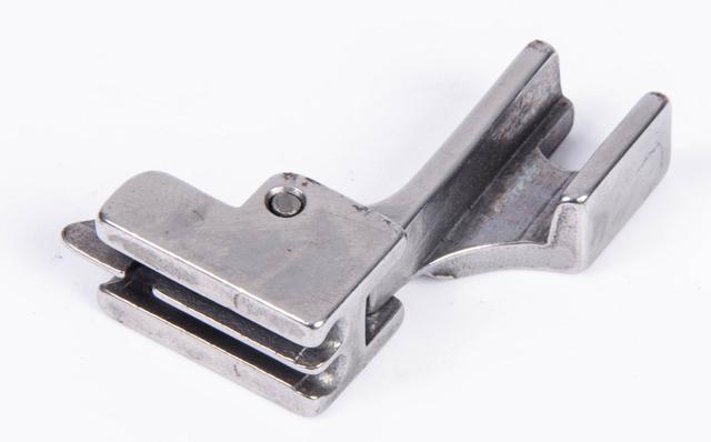 Imagem de Calcador Zíper Invisível com Guia Reta S518NS Susei