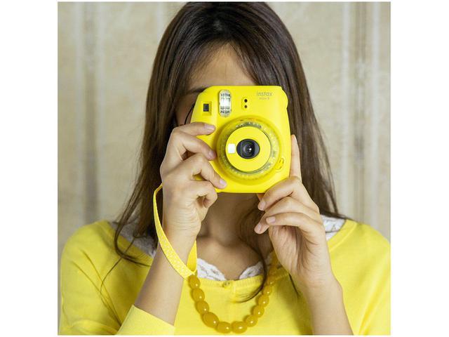Imagem de Câmera Instax Mini 9 Fujifilm Amarelo Banana