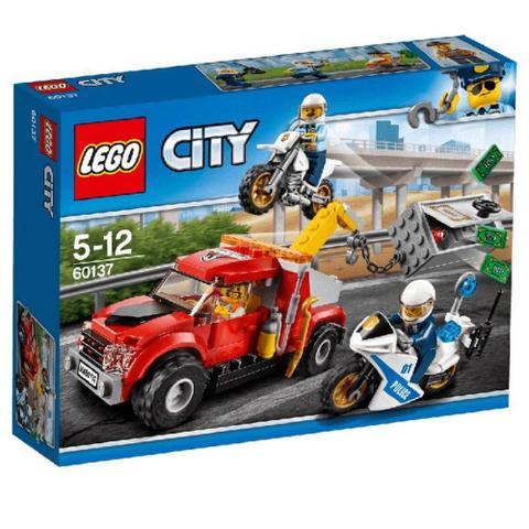 Imagem de Caminhão Reboque Lego City Em Dificuldades 144 Peças 60137