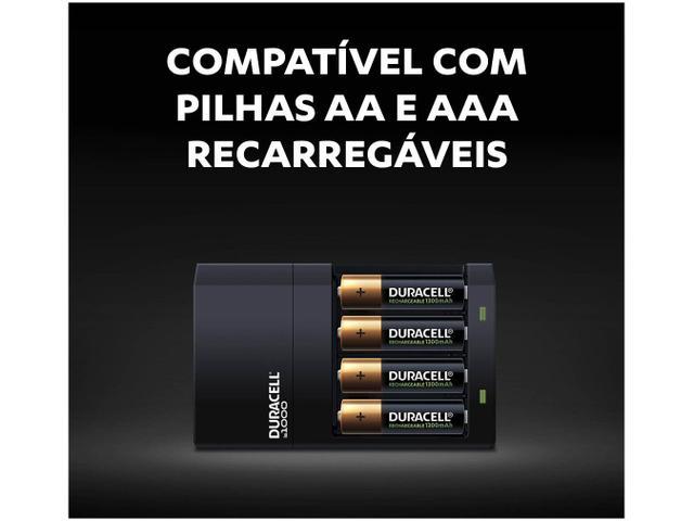 Imagem de Carregador de Pilhas Recarregáveis AA e AAA