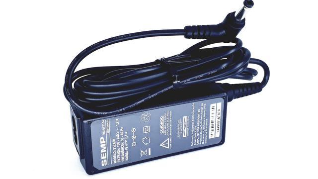 Imagem de Carregador Fonte para notebook Semp Toshiba 1401 1402 1403 modelo 19V 2.1A S12A00