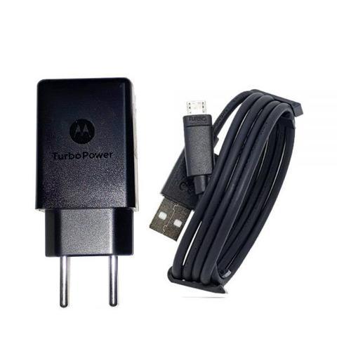 Imagem de Carregador Turbo Motorola com cabo USB