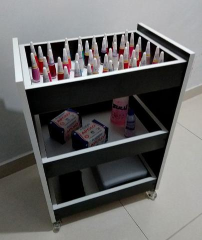 Imagem de Carrinho Auxiliar MDF PRETO P/manicure ou estética C/3 bandejas