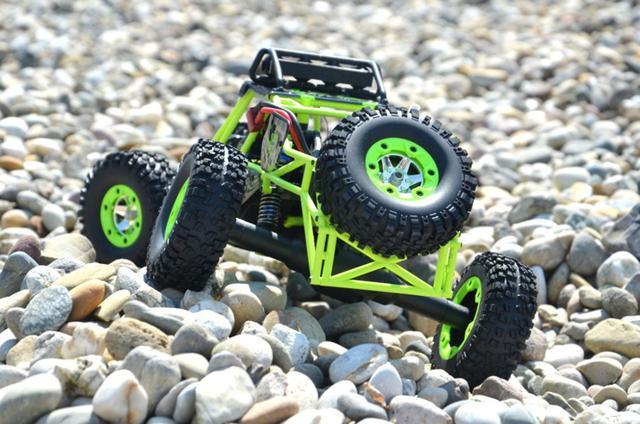 Imagem de Carrinho de Controle Remoto 12428  Wltoys Off-road 4x4 C/ Led Rock Crawler