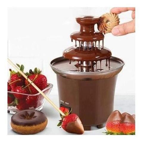 Imagem de Cascata Chocolate Molhado Torre Cacau Bombom Barra Presente