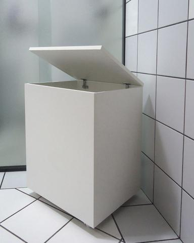 Imagem de Cesto de Roupas Baú Roupeiro Tulha com Rodízios Banheiro Lavanderia - Branco