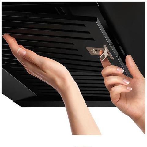 Imagem de Coifa de Parede Electrolux Pro Series 90 cm com Painel Eletrônico, Preta - 90CTV