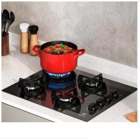 Imagem de Cooktop a Gás Electrolux em Vidro com 04 Bocas, Acendimento Super Automático, Queimador Tripla-Chama Preto - KE4TP