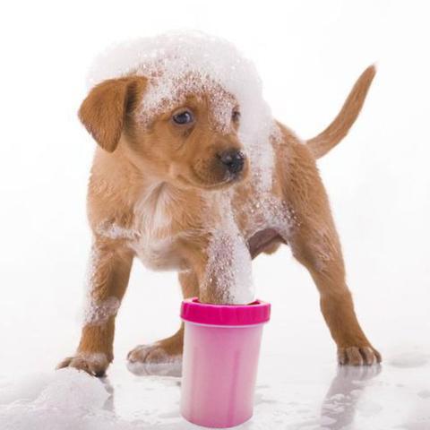 Imagem de Copo Rosa Limpador Cachorro Limpa Patas Patinhas Pet Banho