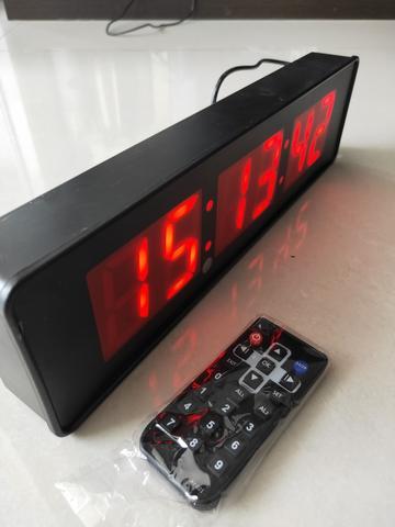Imagem de cronometro e relogio digital de parede controle