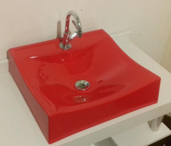 Imagem de Cuba de Apoio Para Banheiro e Lavabo Modelo Romana Vermelho