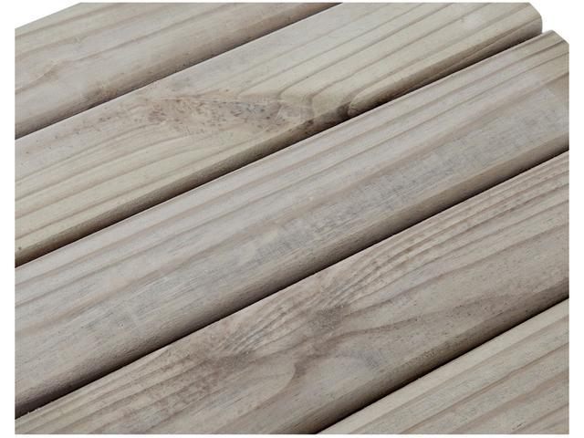 Imagem de Deck de Madeira Autoclavado Esverdeado