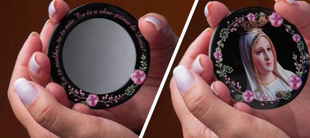 Imagem de Espelho maria passa na frente