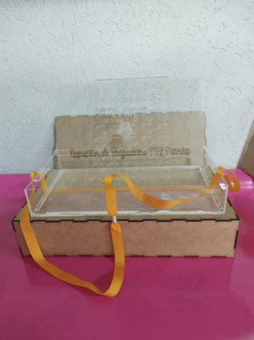 Imagem de Expositor de brigadeiro e cupcake com alça/ acrílico cristal 3MM