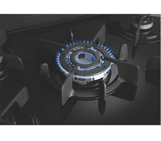 Imagem de Fogão Brastemp 5 bocas embutir cor Inox com mesa de vidro e quadrichama