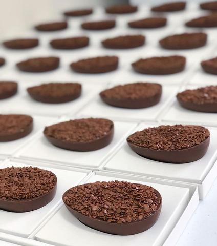 Imagem de Forma Ovo De Pascoa 150g Bwb Confeitaria Gourmet Sp824
