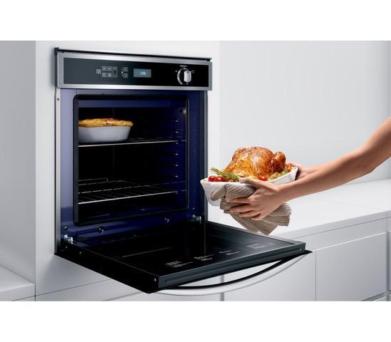 Imagem de Forno de Embutir a Gás Brastemp 78 Litros Cor Inox com Convecção e Termômetro Meat Control - BOH84AR