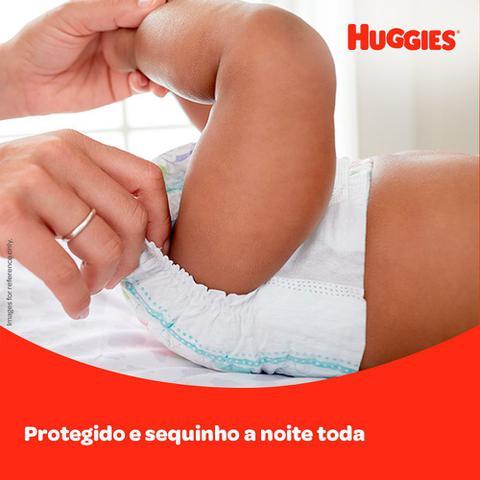 Imagem de Fralda Huggies Tripla Proteção Tamanho XXG Pacote Mega 32 Fraldas Descartáveis