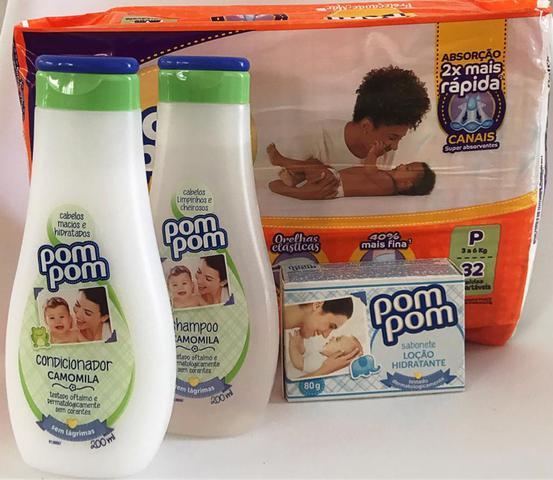 Imagem de Fralda tamanho P, shampoo, condicionador e sabonete em barra. Kit chá de bebe IV.