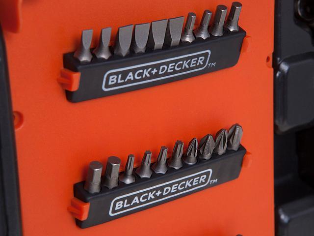 Imagem de Furadeira e Parafusadeira BlackDecker 12V