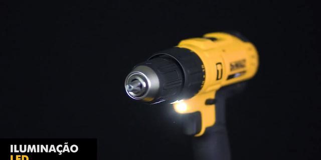 Imagem de Furadeira Parafusadeira Impacto Profissional 13mm 20v c2 Baterias Dewalt DCD776C2-BR