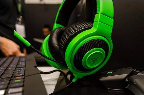 Imagem de Headset Gamer Razer Kraken Pro Green 7.1 P2 - Pc Ps4 Xbox