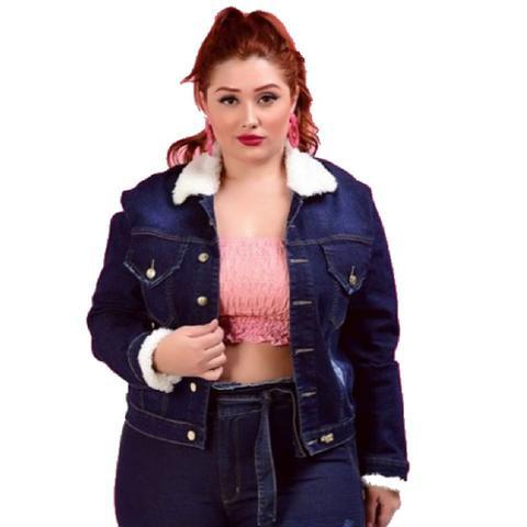 Imagem de Jaqueta Jeans Feminina Pelinho Escura Plus Size