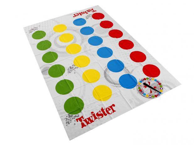 Imagem de Jogo Twister com Novos Movimentos - Hasbro