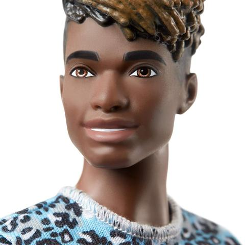 Imagem de Ken Fashionistas 153 Negro Com Bermuda Roxa GHW69 - Mattel