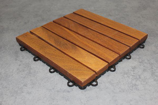 Imagem de Kit 12 Peças (1m²) Deck Modular Ipê acabamento 6 Ripas 30x30