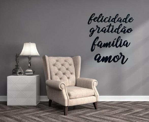Imagem de Kit 4 Apliques Palavras Gratidão Família Amor Felicidade Mdf