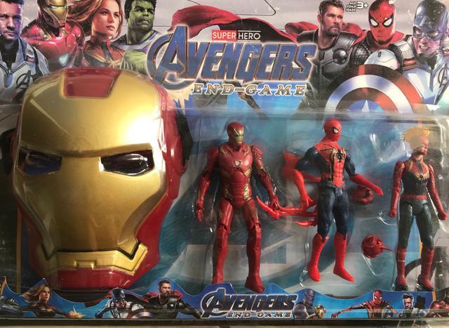 Imagem de Kit Bonecos Vingadores com 3 bonecos e máscara homem de ferro