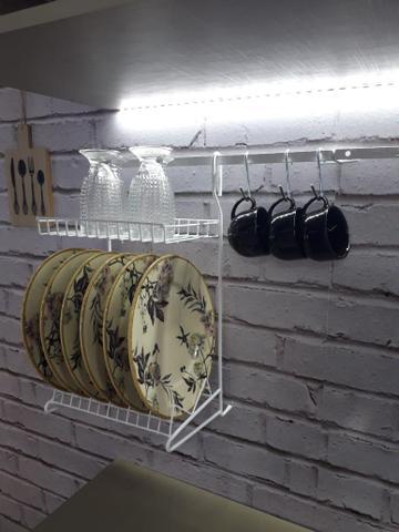 Imagem de Kit Cozinha Suspensa Escorredor Louça Prateleiras E Ganchos
